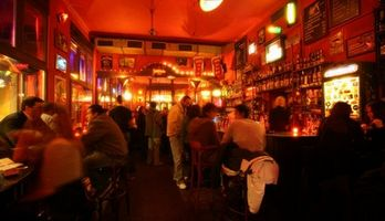 Bar Chapeau Rouge Prague